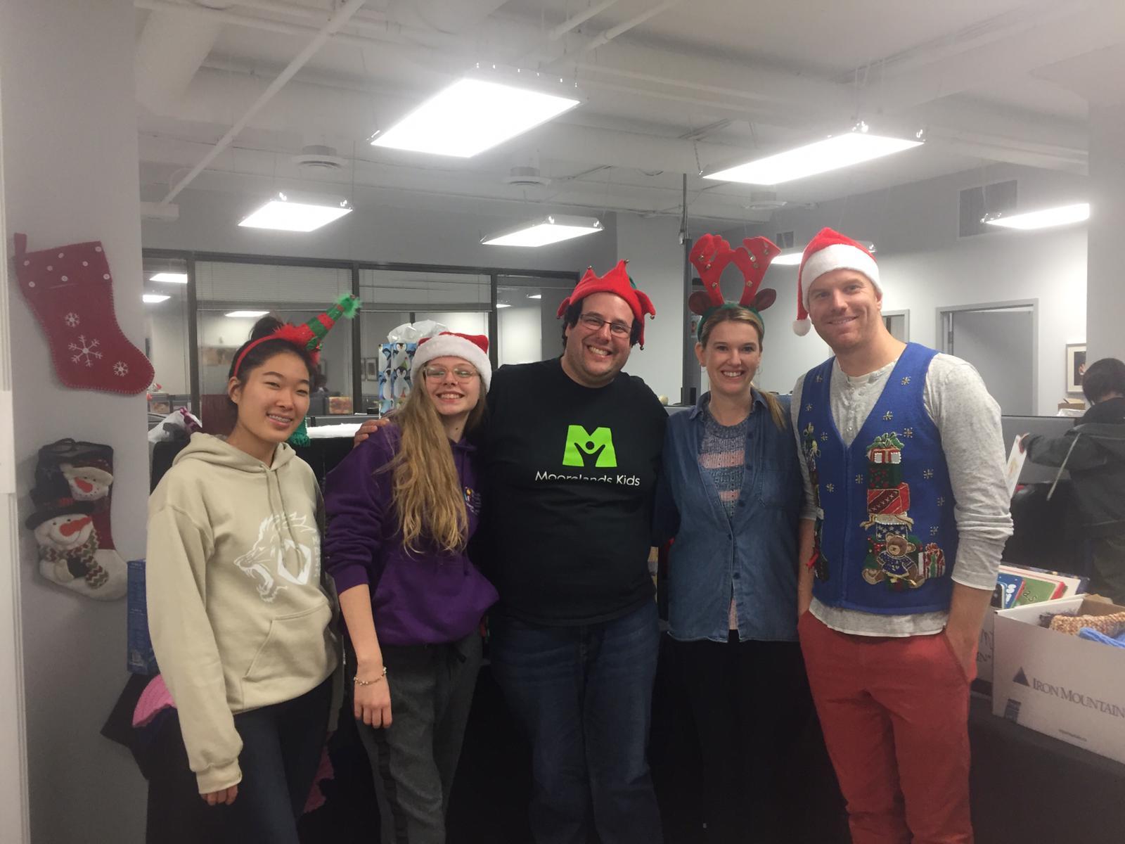 volunteer at Christmas Sharing